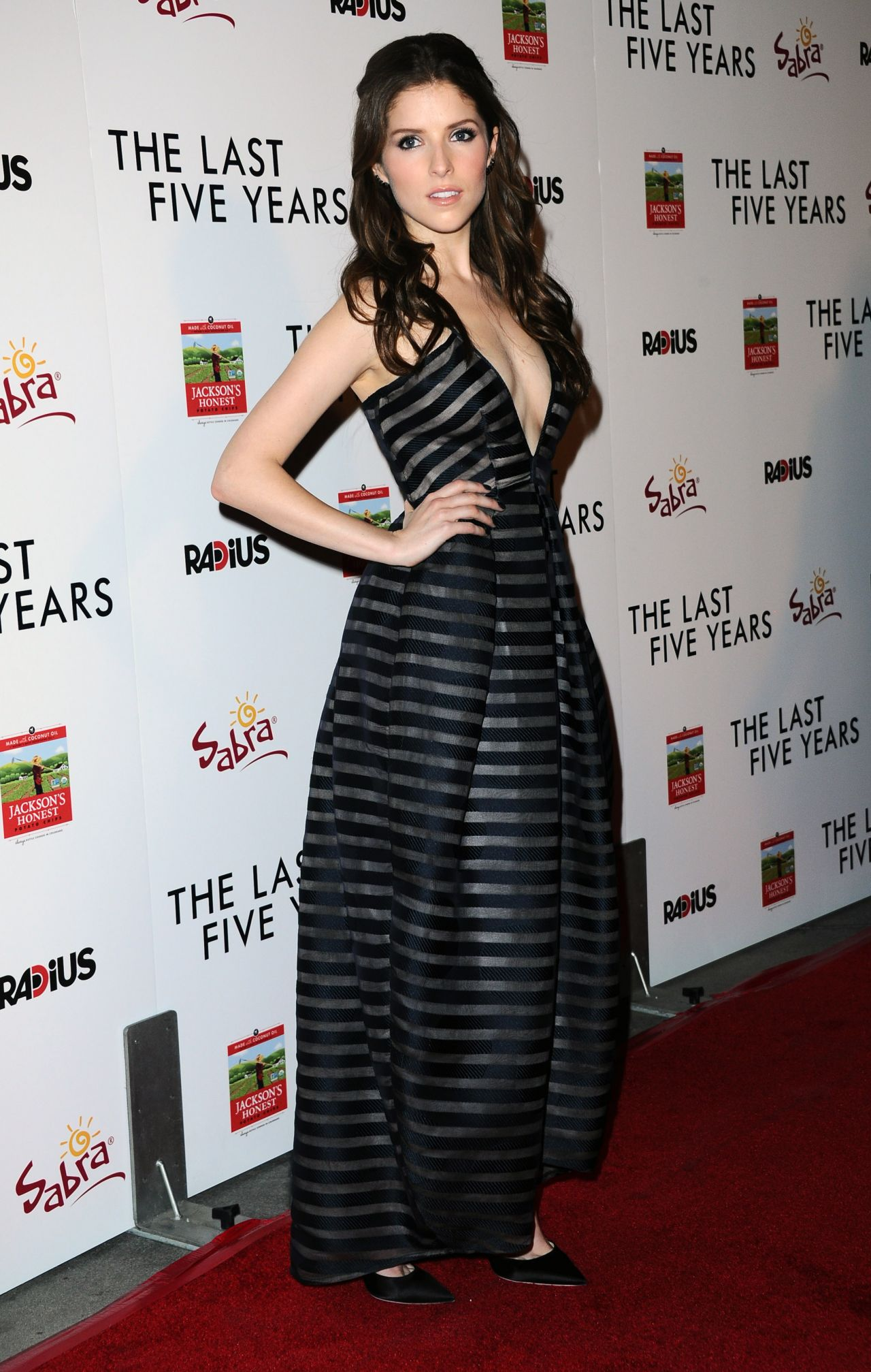 anna-kendrick-the-last-five-years-premiere-in-hollywood_7