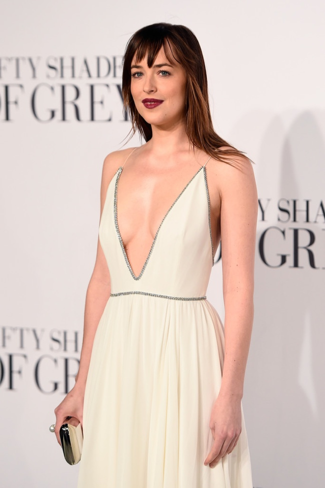 dakota-johnson-white-saint-laurent-dress-premiere2
