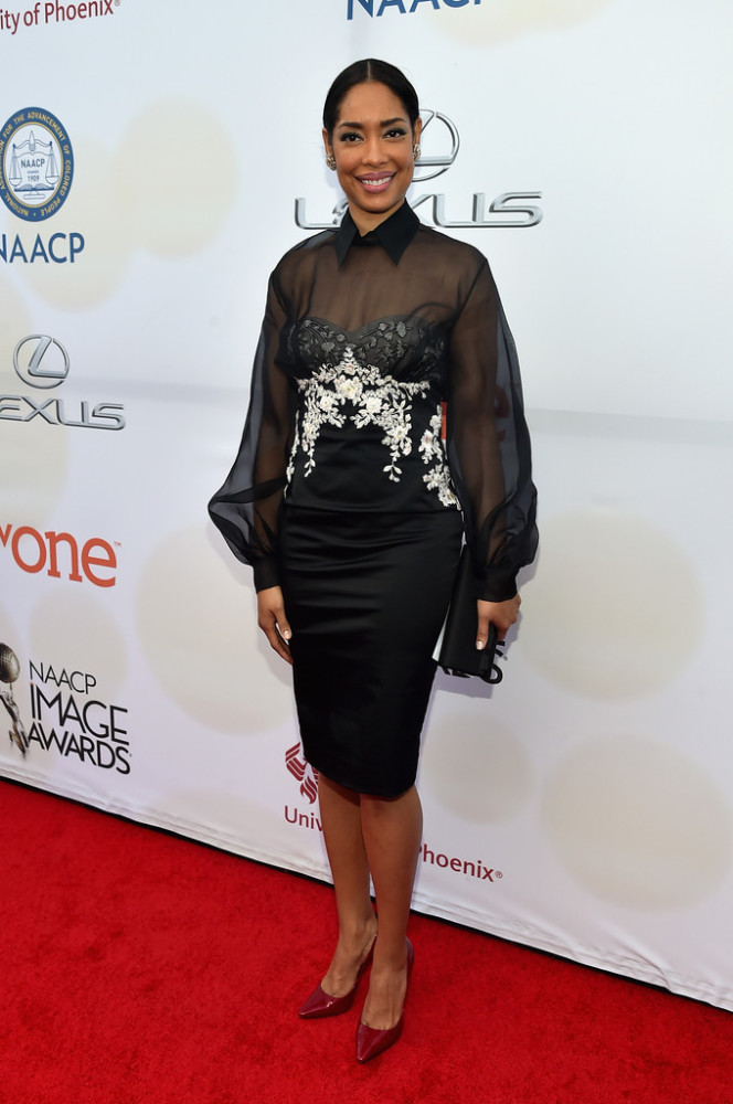 gina-torres-46th-NAACP-Image-Awards-Part-2-Kt6E4elGhCWx-664x1000