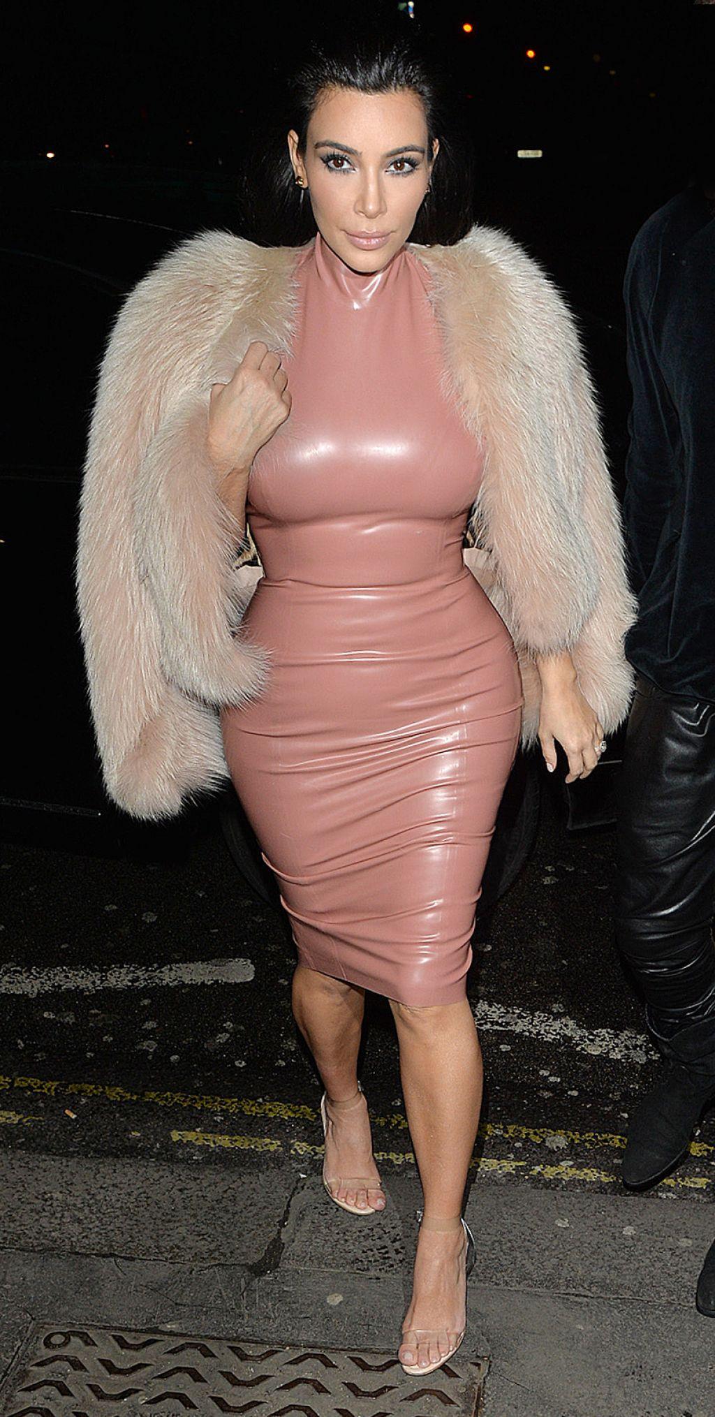 kim-kardashian-style-out-in-london-february-2015_1