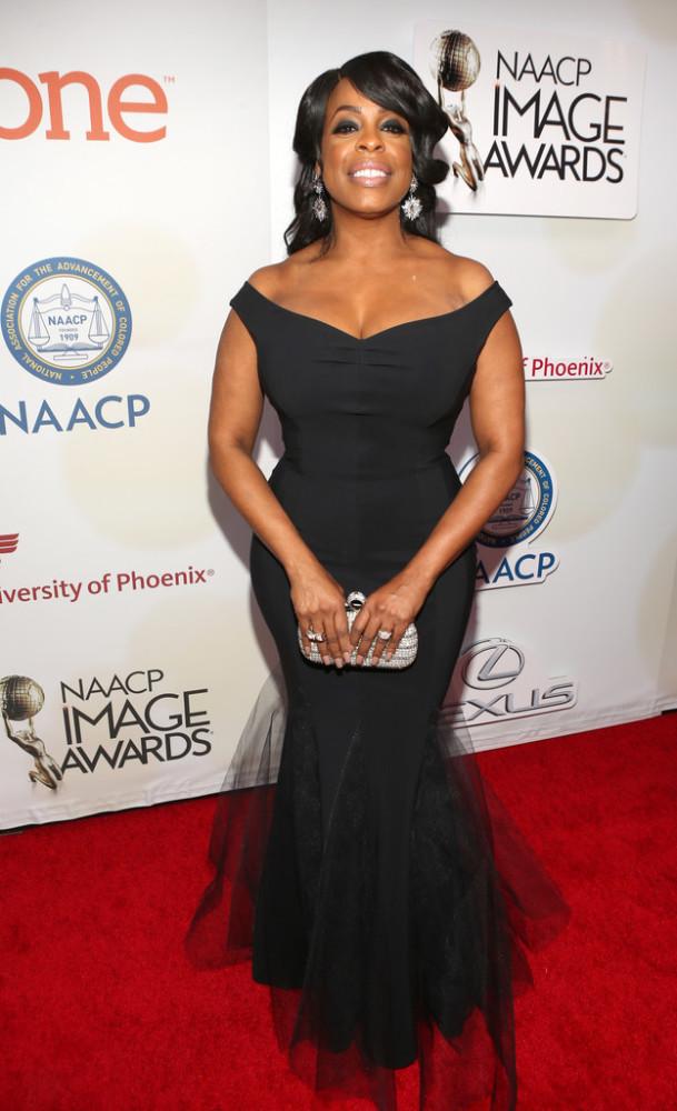 niecy-nash-46th-NAACP-Image-Awards-Part-2-3TpFkHYZGAKx-609x1000