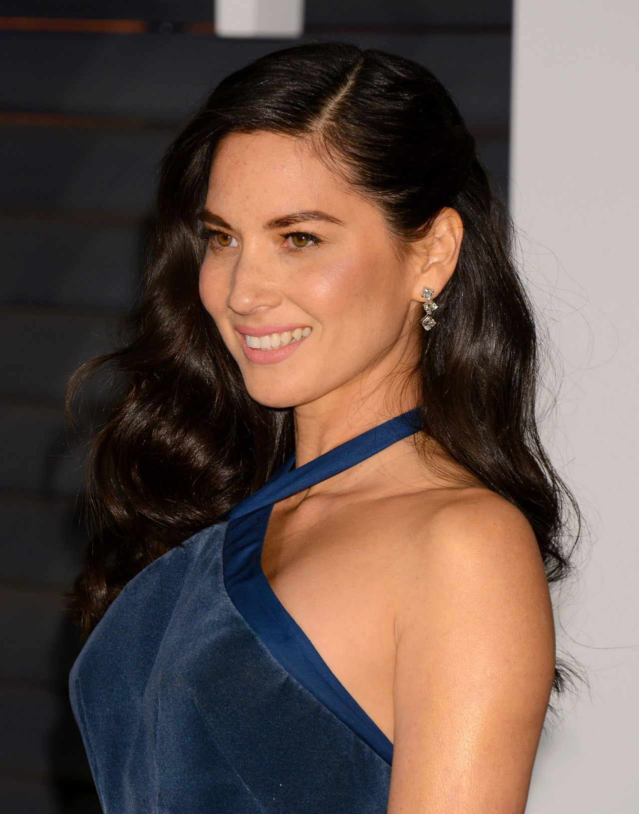 olivia-munn-zac-posen-2015-vanity-fair-oscar-party