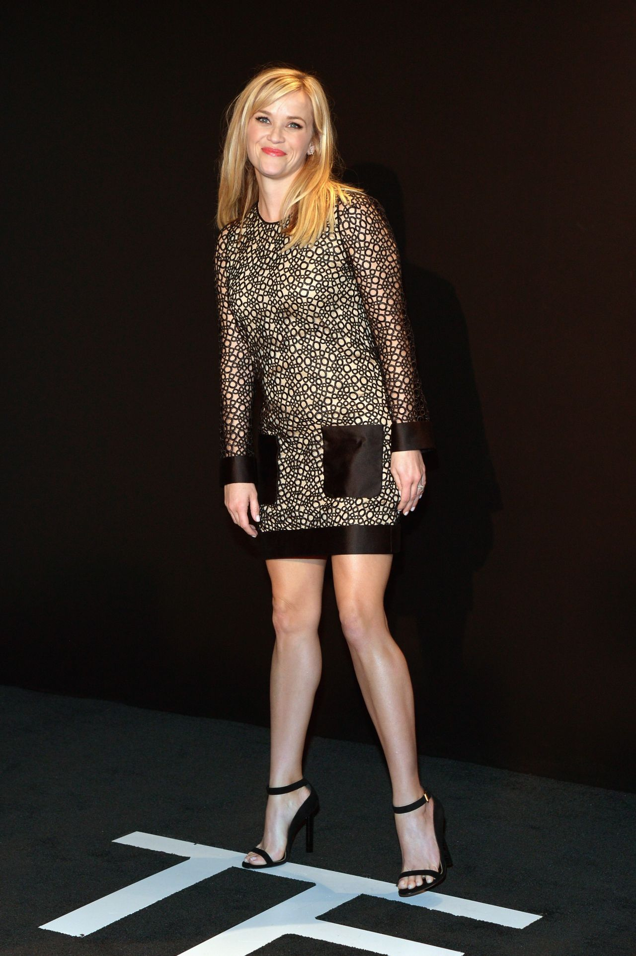 reese-witherspoon-tom-ford-autumn-winter-2015-womenswear-collection-presentation-in-los-angeles_4