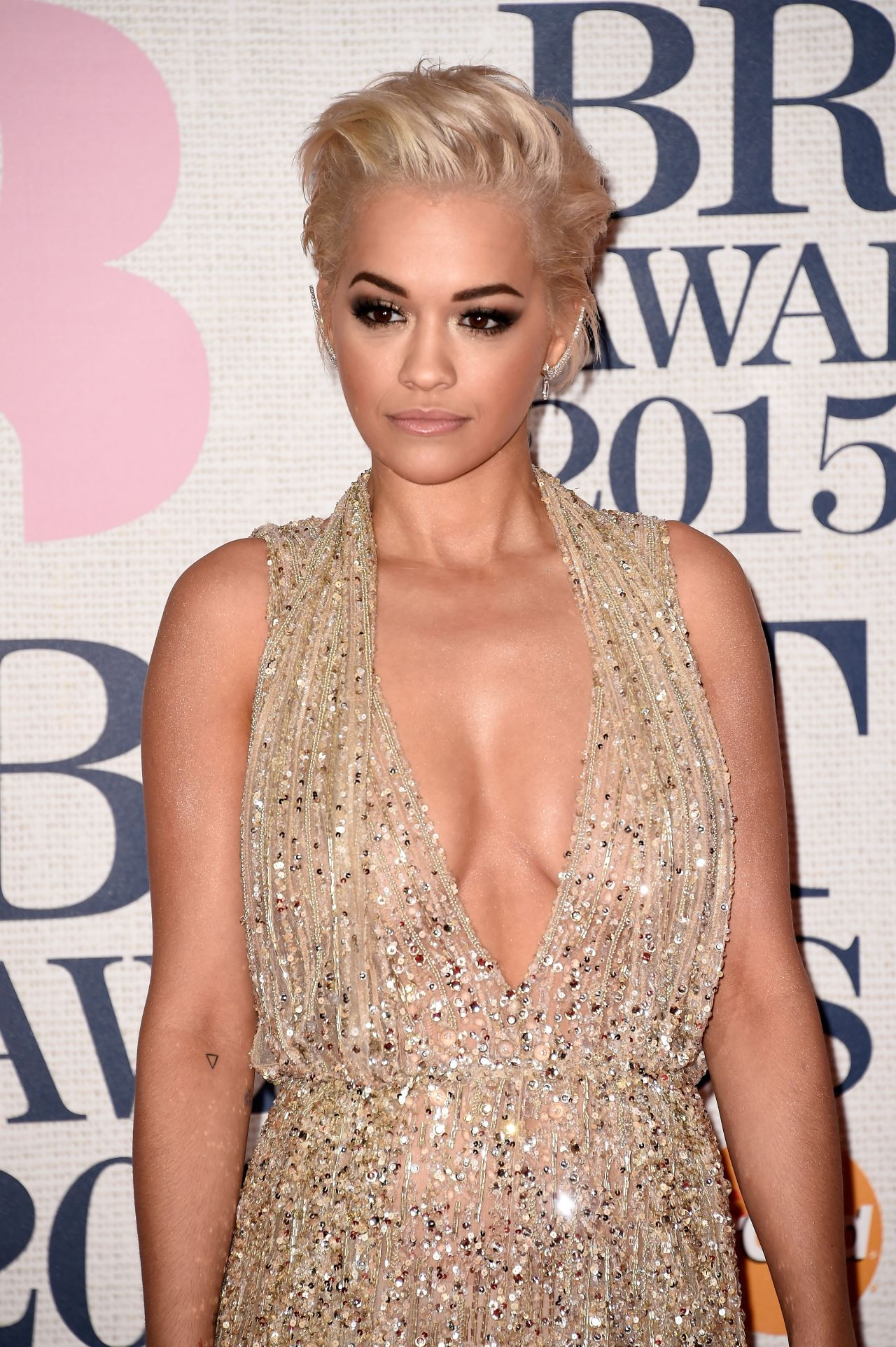 rita-ora-2015-brit-awards-in-london_1