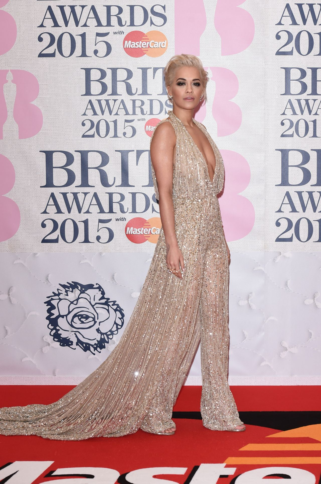 rita-ora-2015-brit-awards-in-london_7