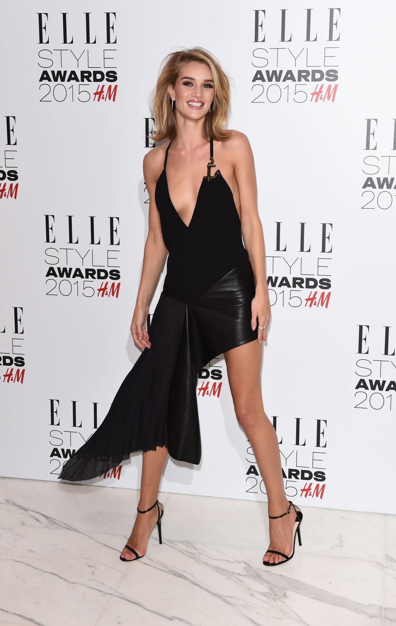 Rosie Huntington Whiteley In Anthony Vaccarello At The 2015 Elle Style Awards Fashion Sizzle