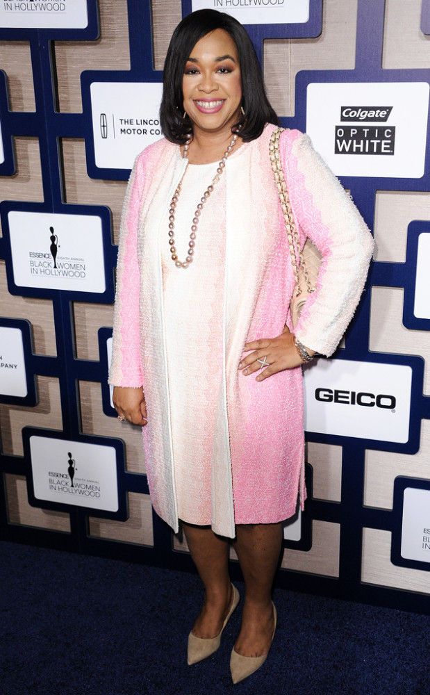 shonda-rhimes-The-8th-Annual-ESSENCE-Black-Women-In-Hollywood-Luncheon-619x1000