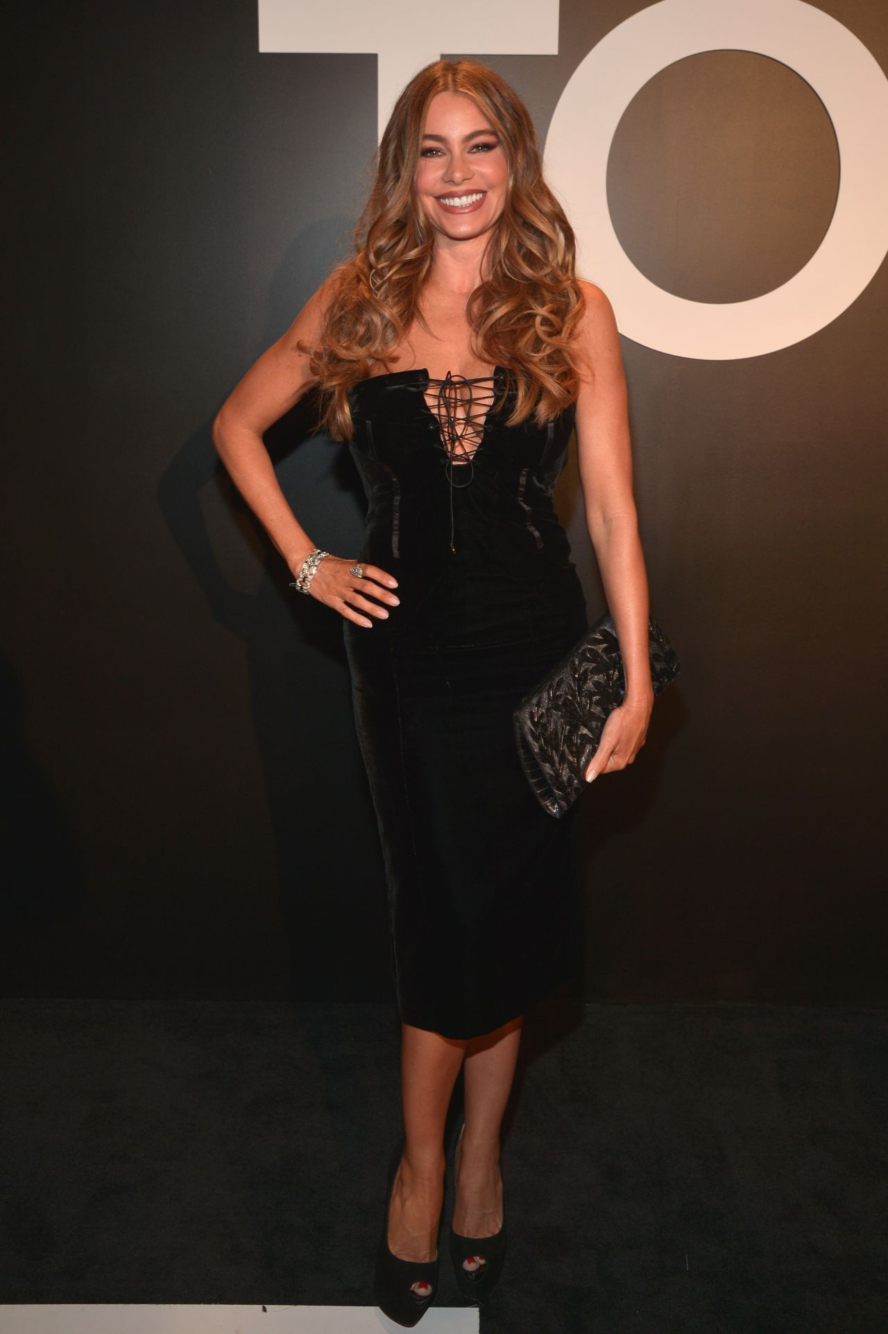 sofia-vergara-tom-ford-autumn-winter-2015-womenswear-collection-presentation-in-los-angeles_1