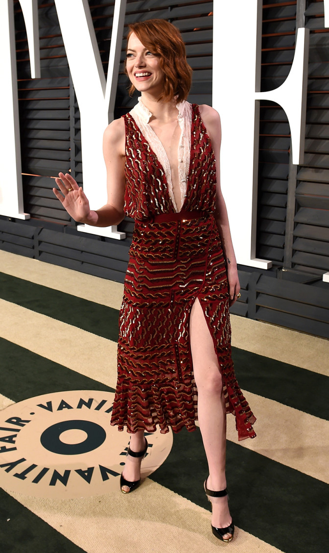 vanity-fair-party-oscars-2015-academy-awards-arrivals-emma-stone-