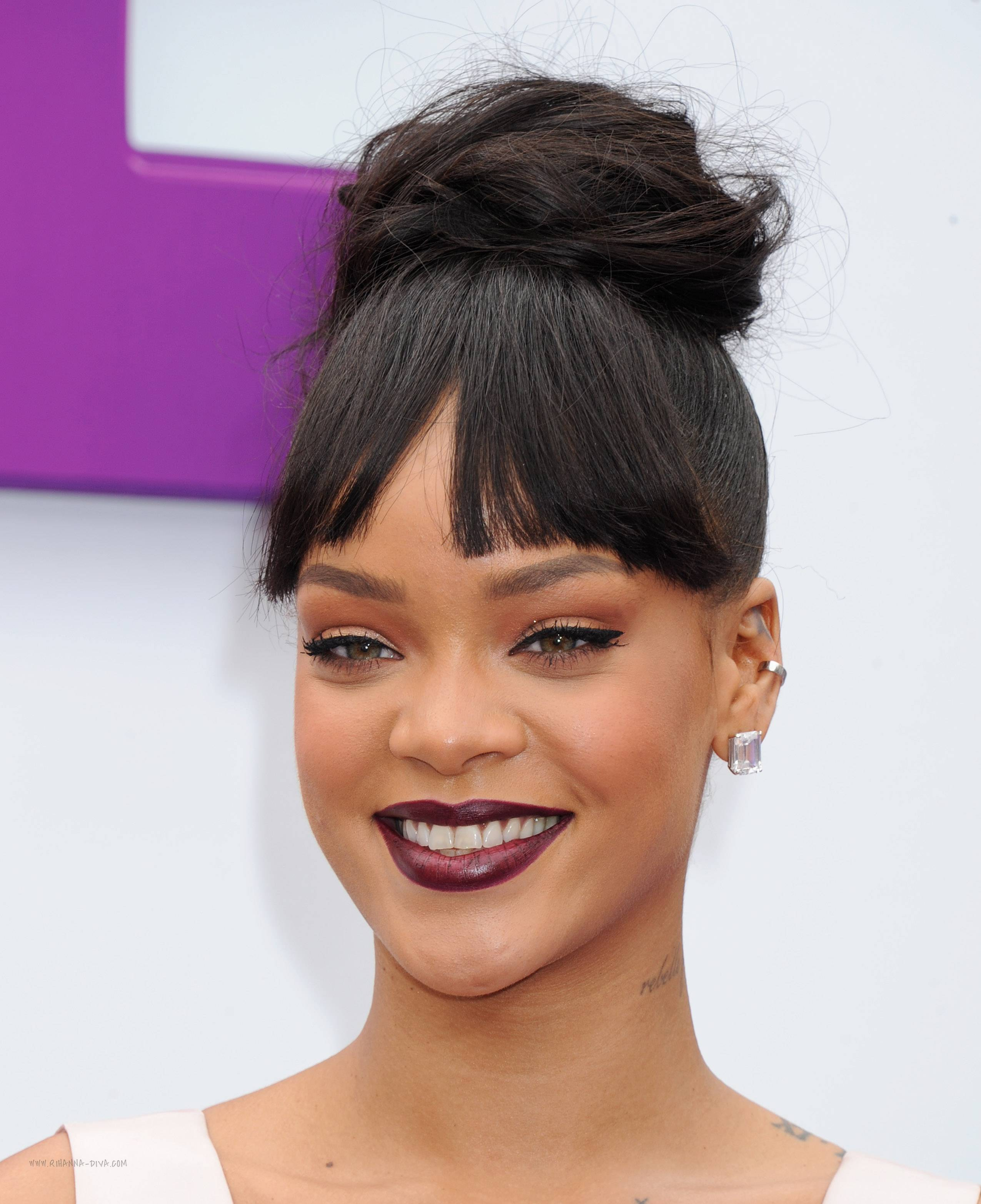 Rihanna-in-Christian-Dior-at-Los-Angeles-HOME-Premiere