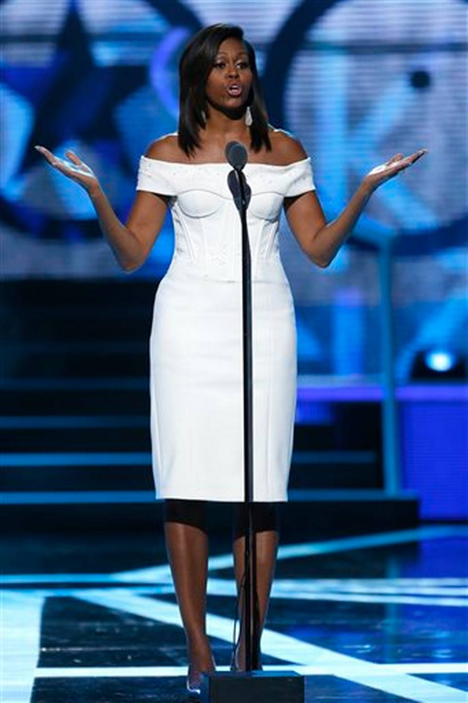 Michelle-Obama-in-Zac-Posen-at-2015-Black-Girls-Rock-Event