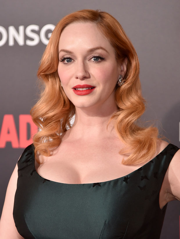 christina-hendricks-in-zac-posen-mad-men-black-red-ball