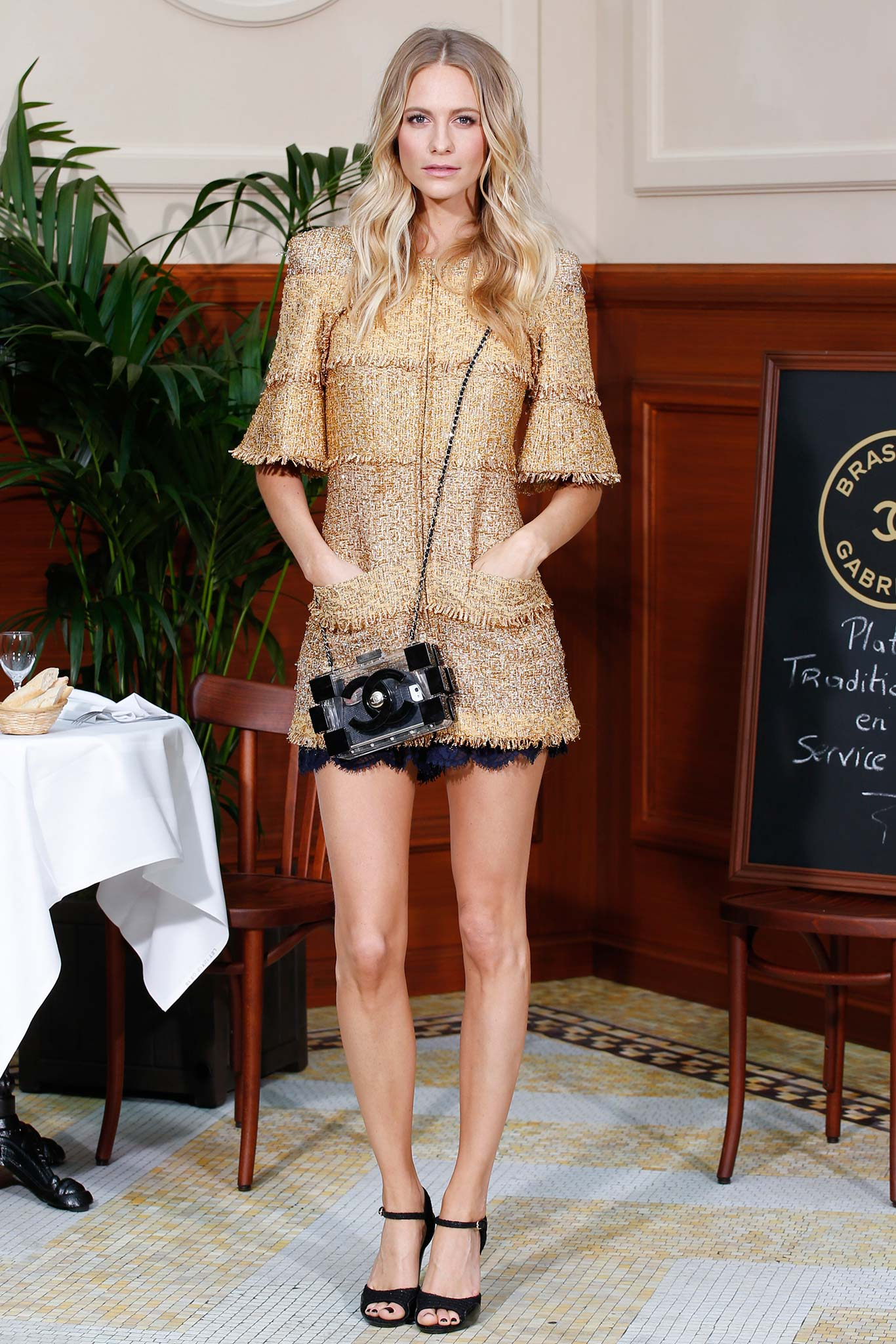 Poppy -Delevingne-Chanel-Fall-2015