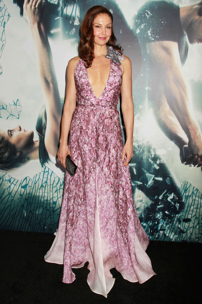 Ashley-Judd-Insurgent-NY-Premiere-02-662×993
