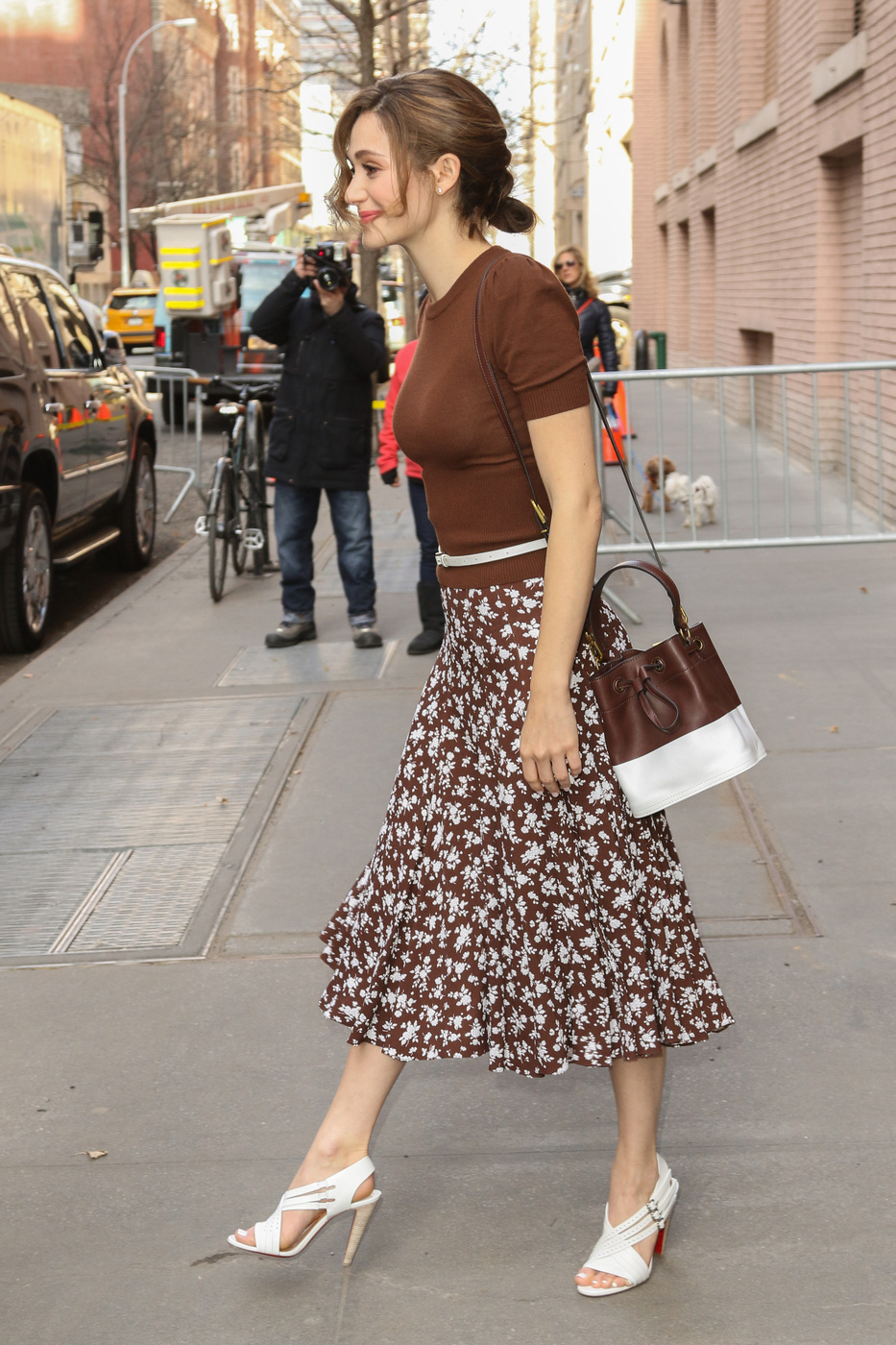 emmy-rossum-in-michael-kors-the-view