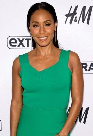 Jada-Pinkett-Smith-in-green-bodycon-dress-on-Extra