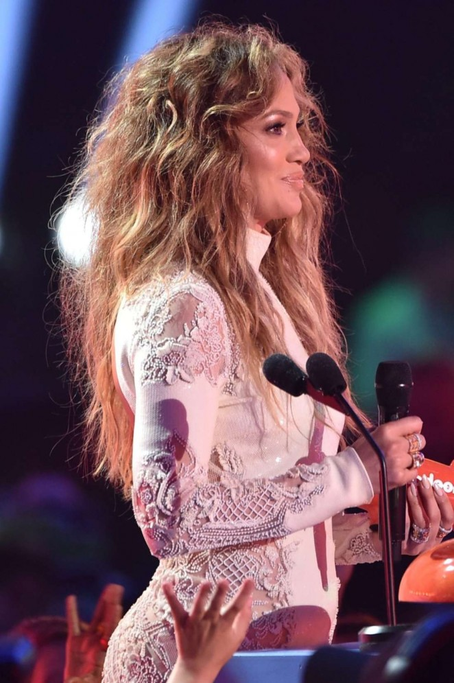 Jennifer-Lopez--2015-Nickelodeon-Kids-Choice-Awards