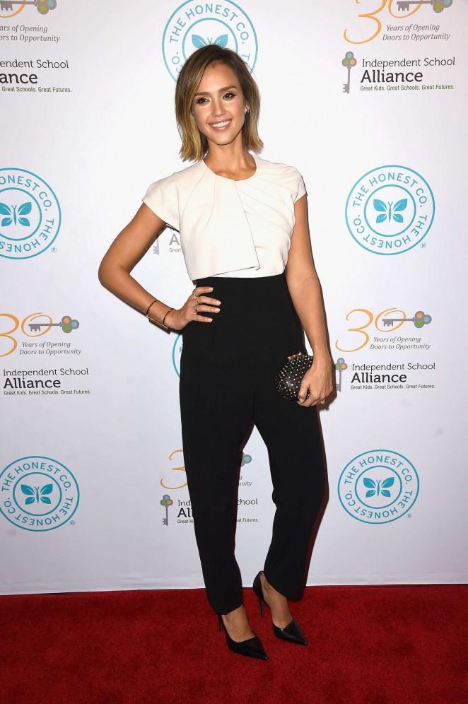 Jessica-Alba-Independent-School-Alliance-Impact-Awards-Dinner-03-662×996