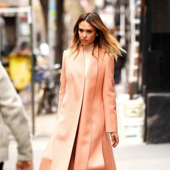Jessica-Alba-Out-in-Manhattan-01-662×993