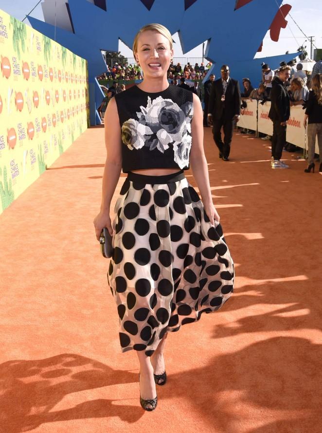 Kaley-Cuoco-2015-Nickelodeon-Kids-Choice-Awards-06-662×890-1