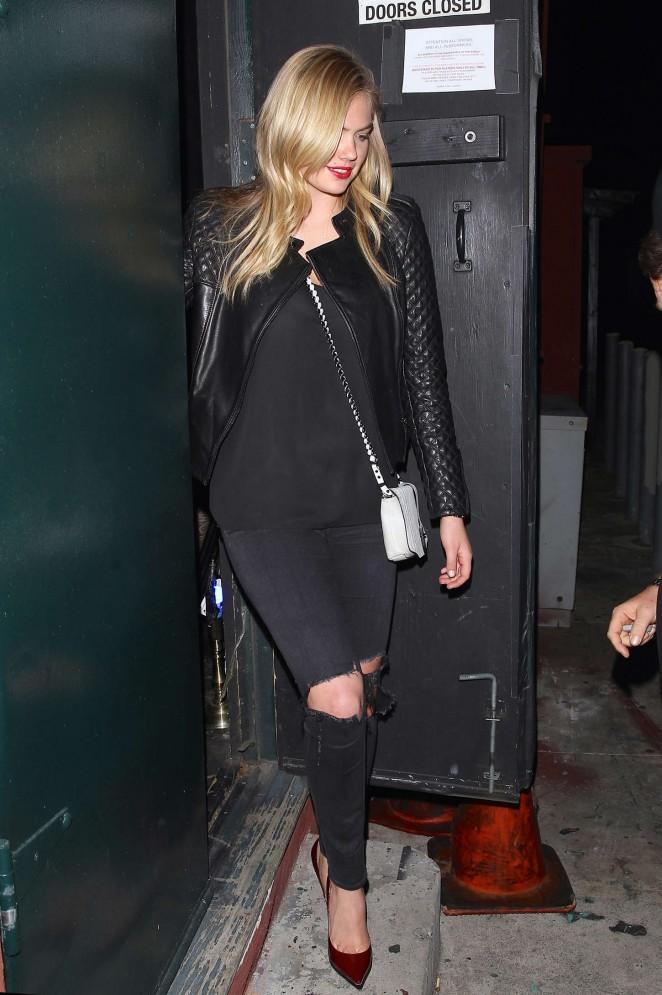 Kate-Upton-in-Ripped-Jeans-Leaving -Largo -Nightclub- in- LA