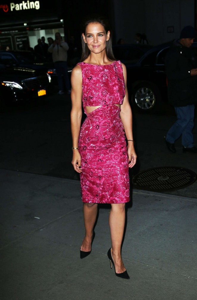 Katie-Holmes-in-Zac-Posen-Woman-in-Gold-New-York-Premiere