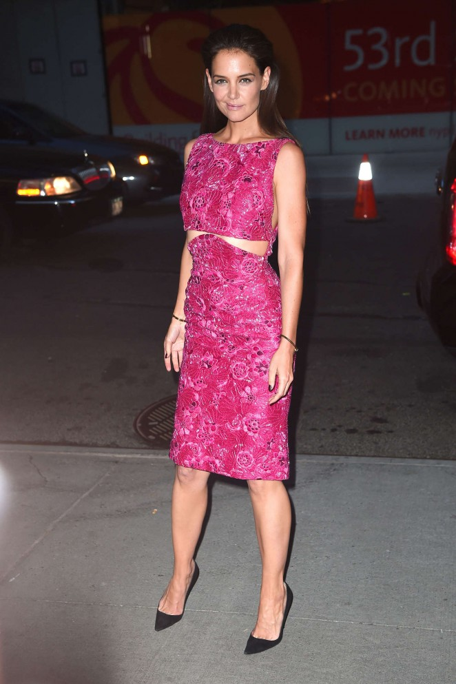 katie-holmes-zac-posen-woman-gold-new-york-premiere