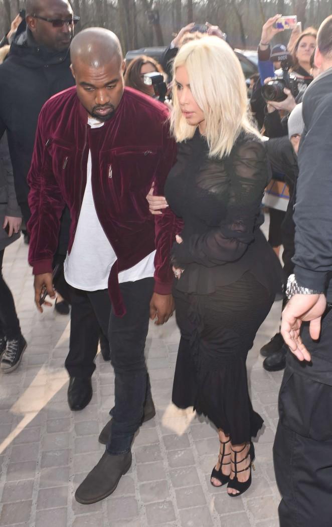 Kim-Kardashian--Louis-Vuitton-Fashion-Show-2015-