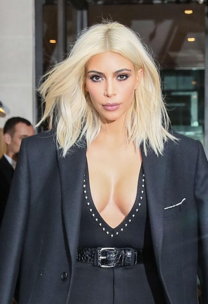 Kim-Kardashian-in-Givenchy-Out-in-Paris