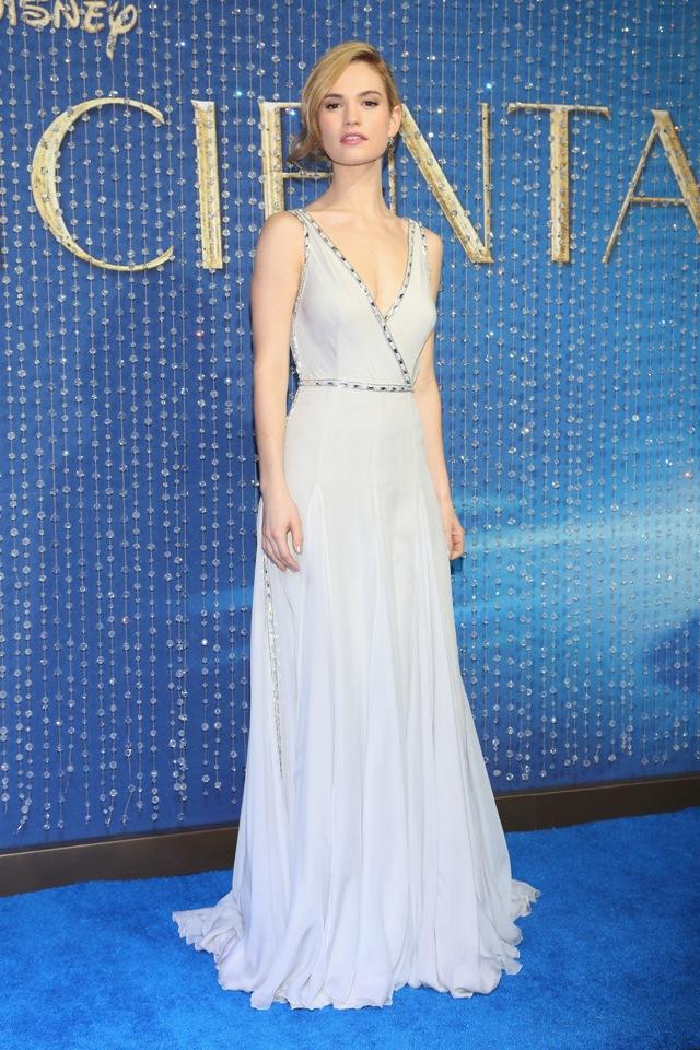 Lily-James-Cinderella-Mexico-Blue-Dress