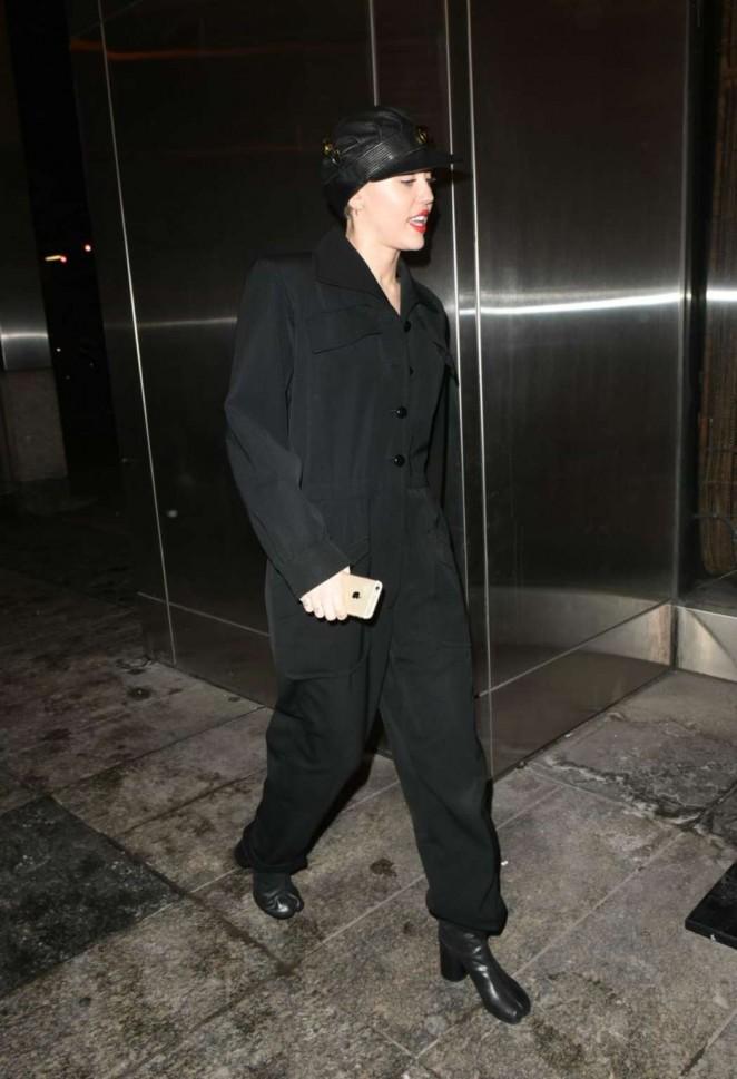 Miley Cyrus – Leaving Nobu in NYC