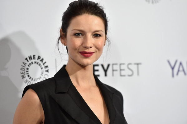caitriona-balfe-in-bottega-veneta-paleyfest-la-presents-outlander