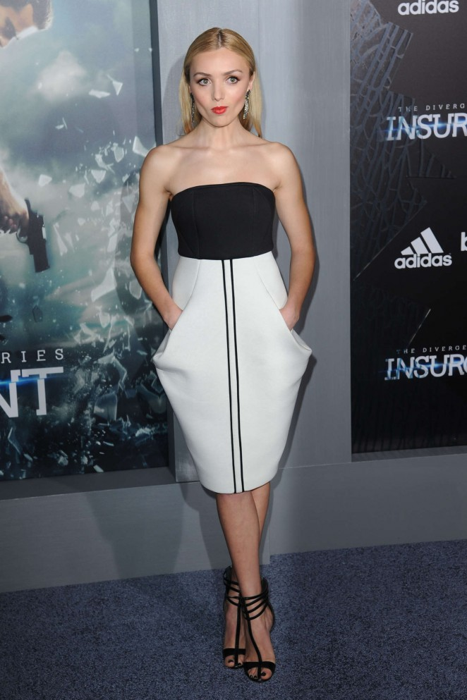 Peyton-R-List-Insurgent-NY-Premiere-12-662×993
