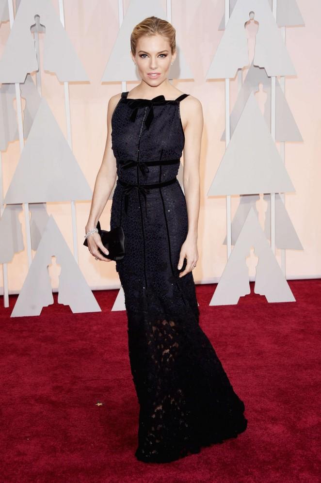 Sienna-Miller-2015-Oscars-02-662×996