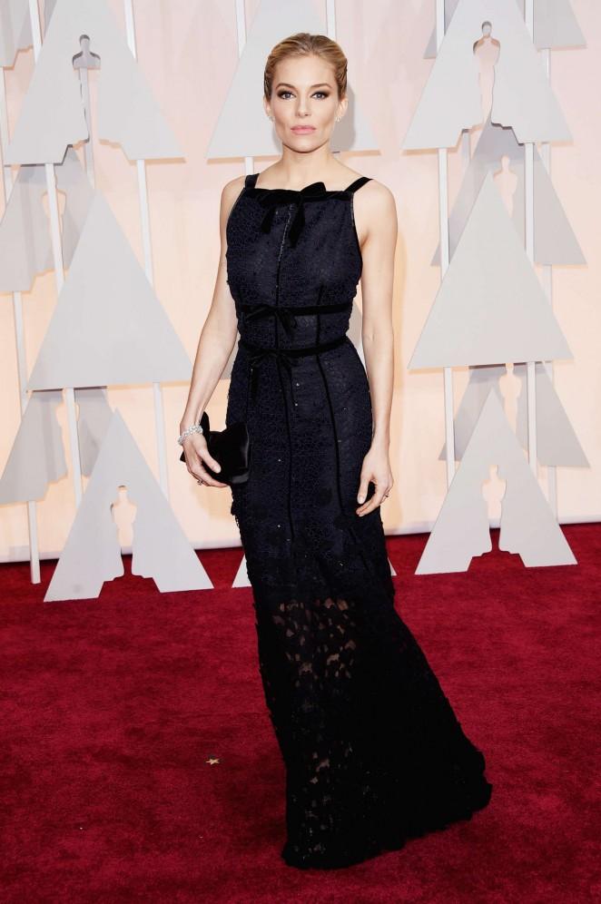 Sienna-Miller--2015-Oscars--03-662x996