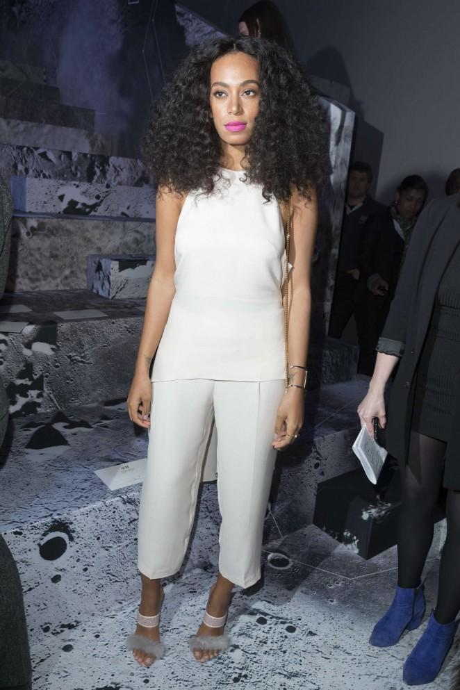 Solange-Knowles--H-M-Fashion-Show-2015-paris-fashion-week