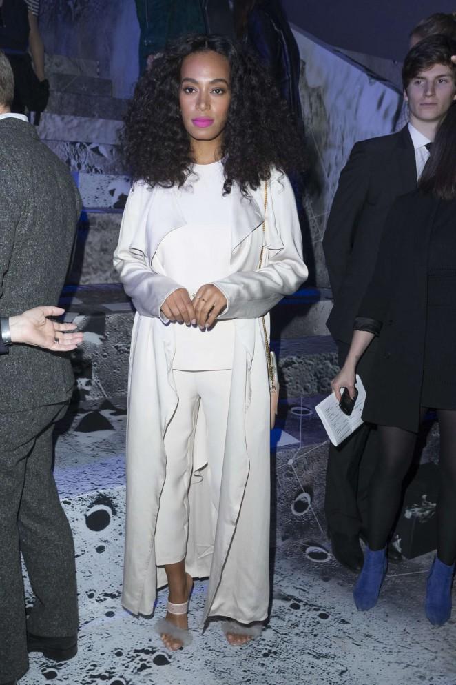 Solange-Knowles--H-M-Fashion-Show-2015--paris-fashion-week
