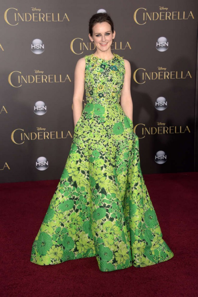 Sophie-McShera-Cinderella-Premiere-01-662×994