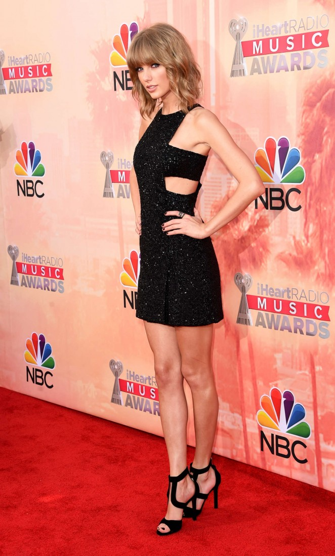 taylor-swift-in-kaufmanfranco-2015-iheartradio-music-awards