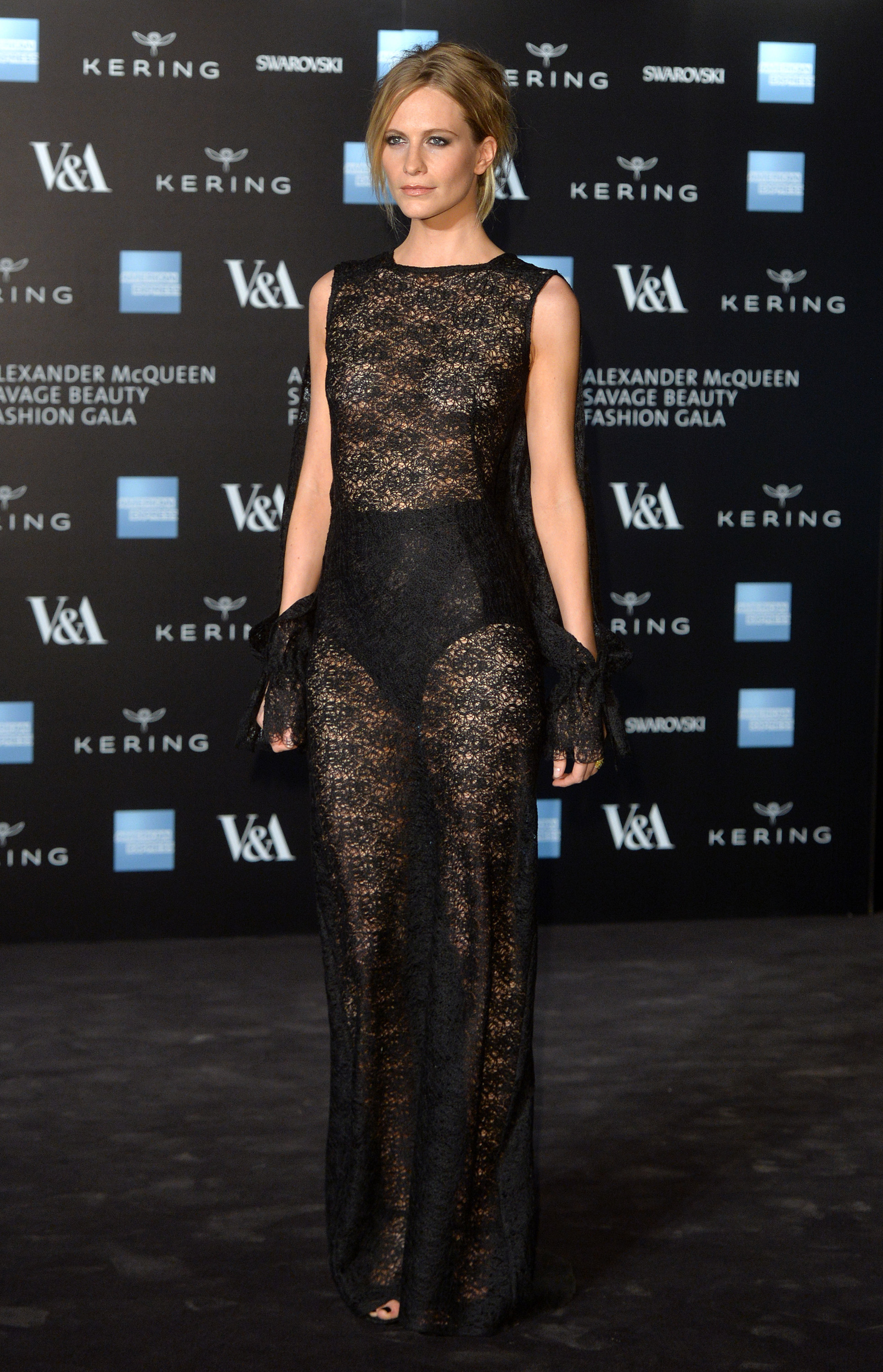 Poppy-Delevingne-alexander-mcqueen-savage-beauty-private-view-red-carpet-arri-1-1