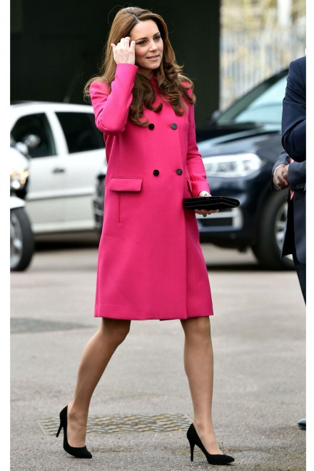 catherine-duchess-of-cambridge-in-mulberry-the-stephen-lawrence-charitable-trust