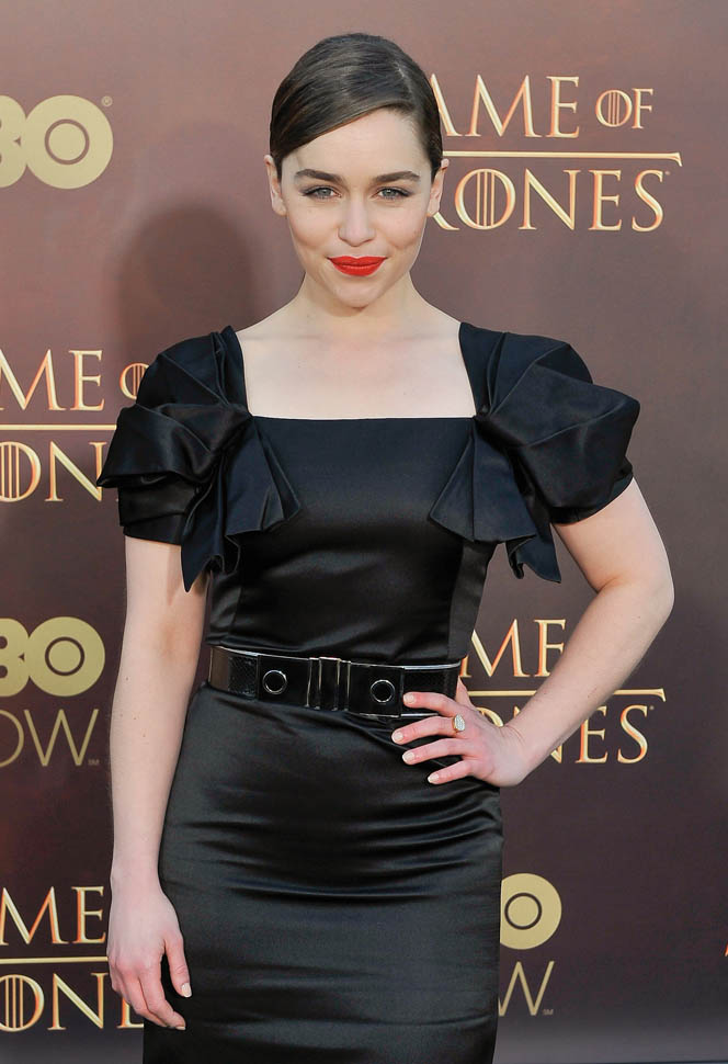 emilia-clarke-in-alexander-mcqueen-game-of-thrones-season-5-premiere