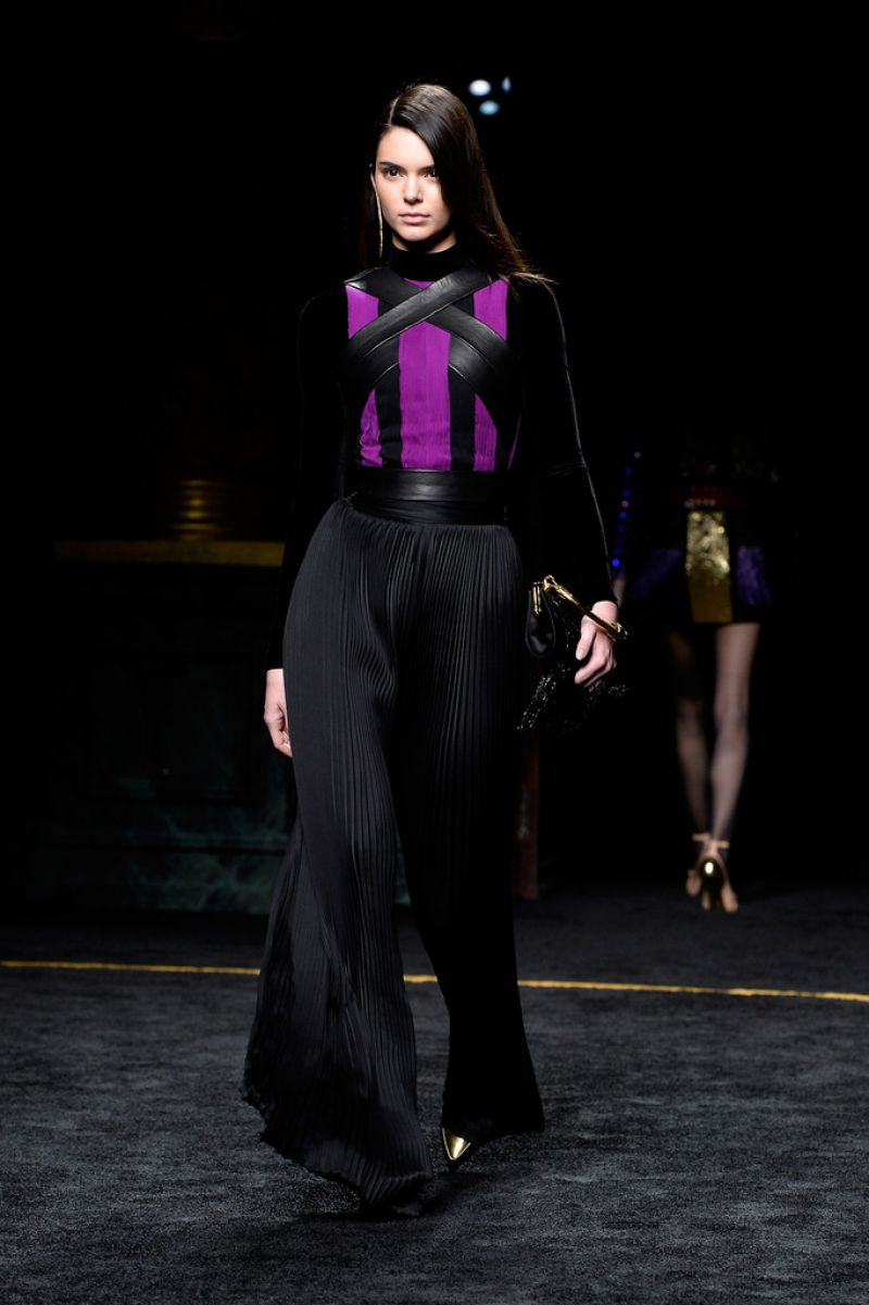 kendall-jenner-balmain-runway-show-in-paris-march-2015_