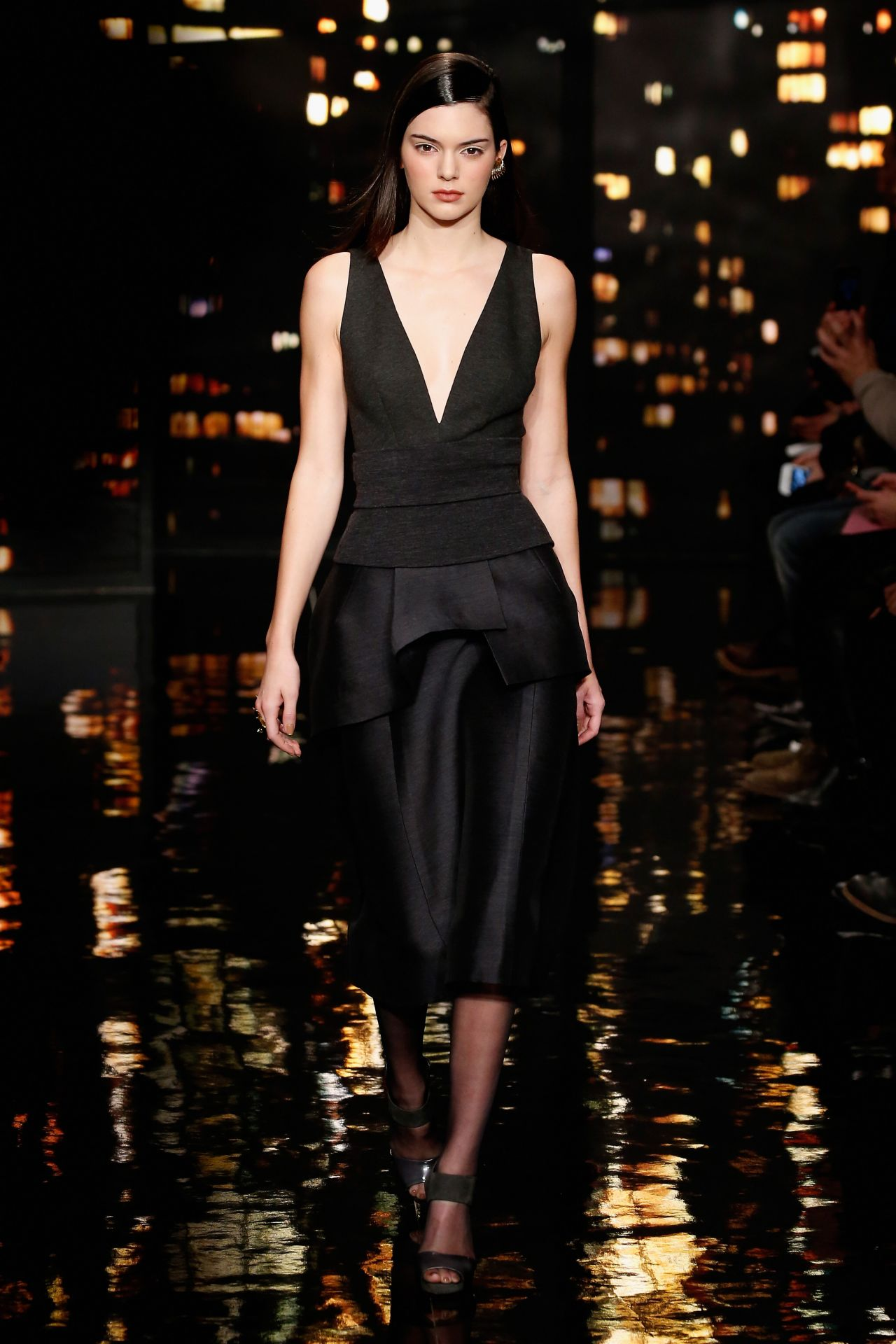 kendall-jenner-donna-karan-fall-2015-fashion-show_