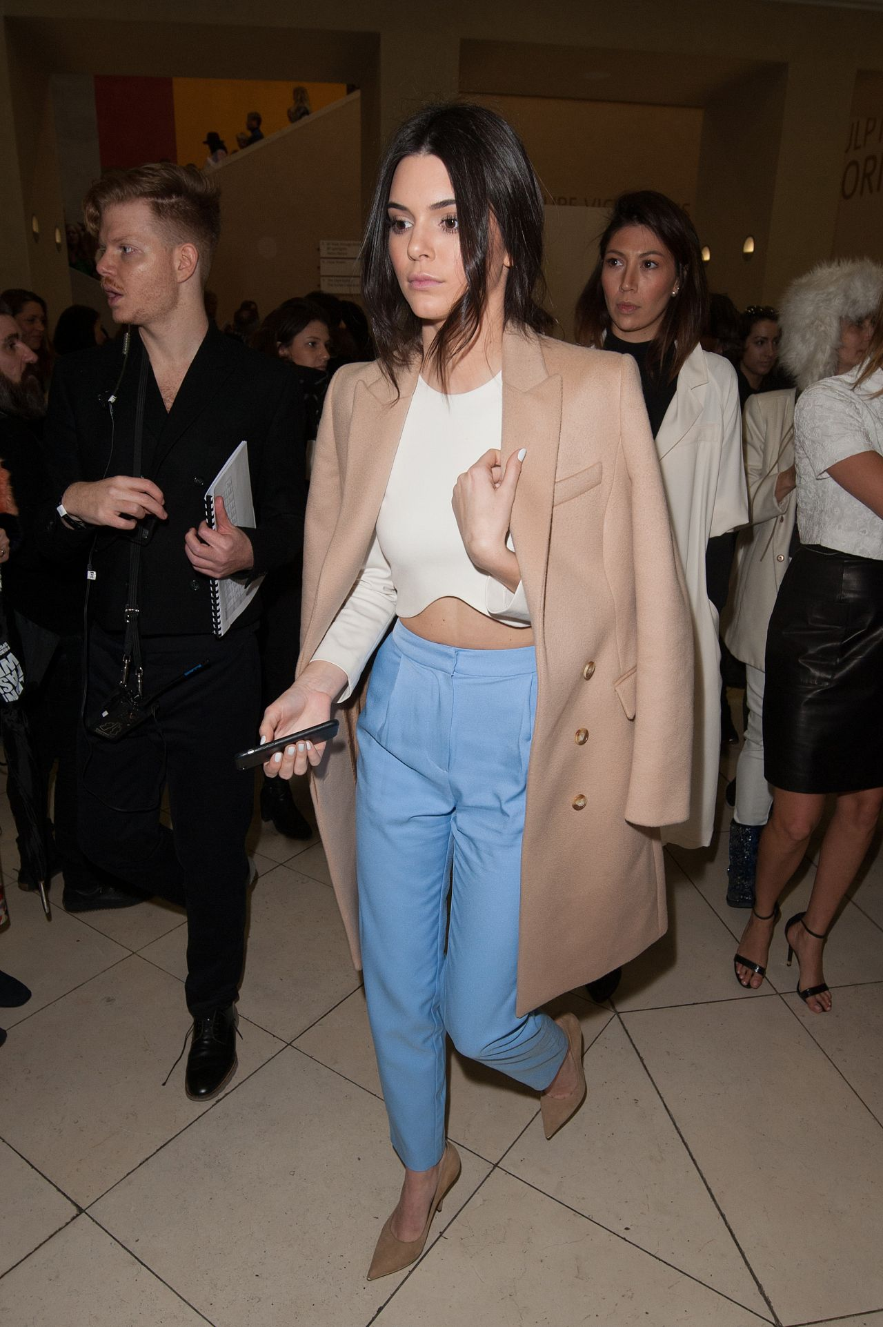 kendall-jenner-topshop-unique-fashion-show-in-london-february-2015_