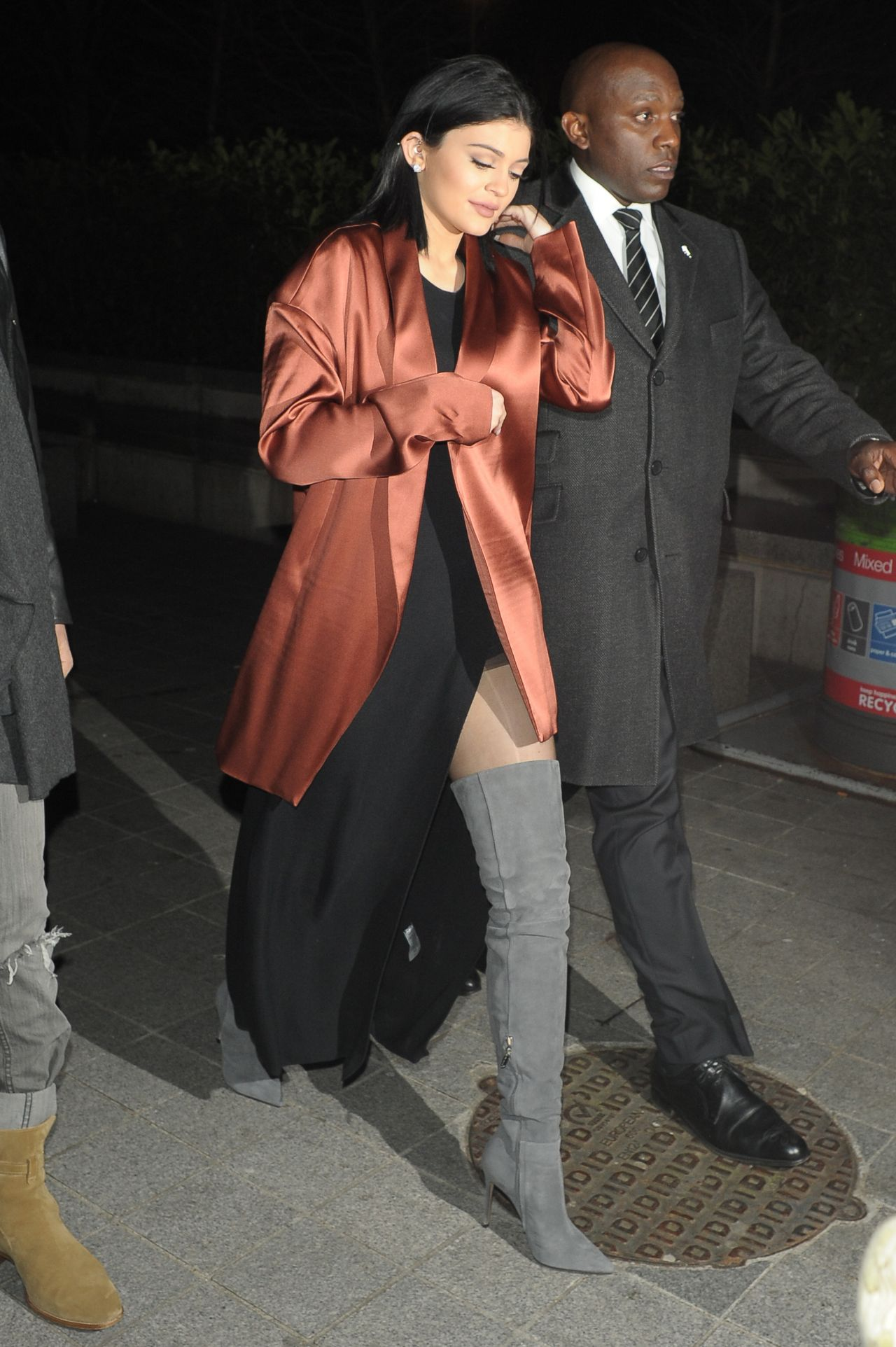 kylie-jenner-night-out-style-london-march-2015_