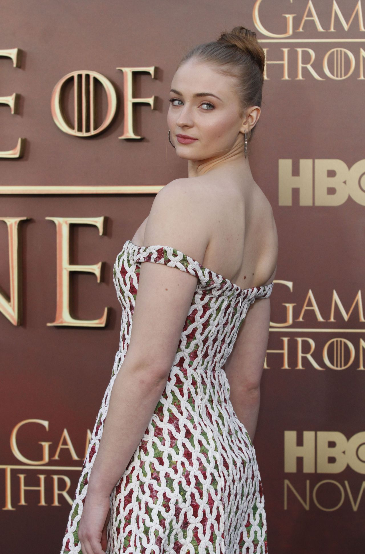 sophie-turner-game-of-thrones-season-5-premiere-in-san-francisco
