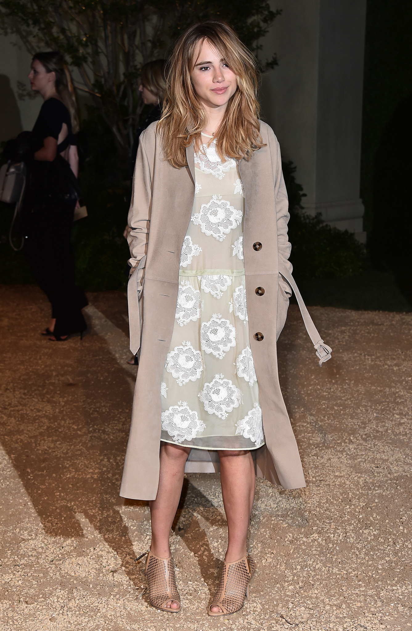 Suki -Waterhouse -Burberry-London-in-Los-Angeles-Event