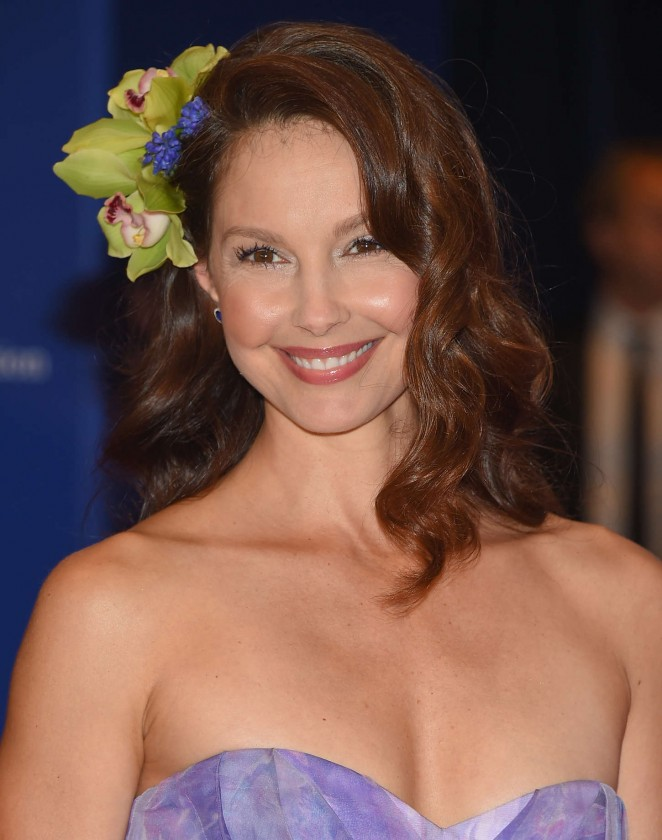 Ashley-Judd--in- Badgley -Mischka -2015-White-House-Correspondents-Association-Dinner-