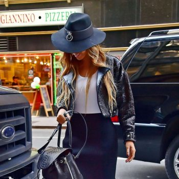 Beyonce-Out-and-about-in-NYC-01-662×1100